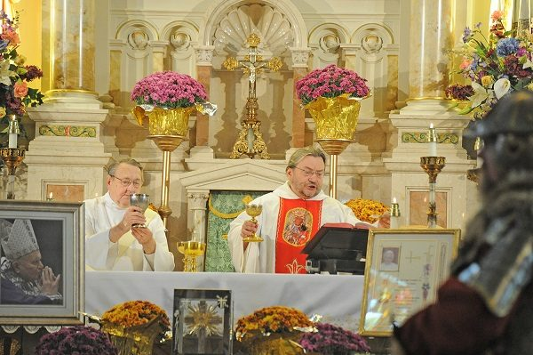 polish-church-anniversay-mass-web