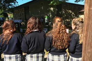 praying-rosary-for-life-16-students